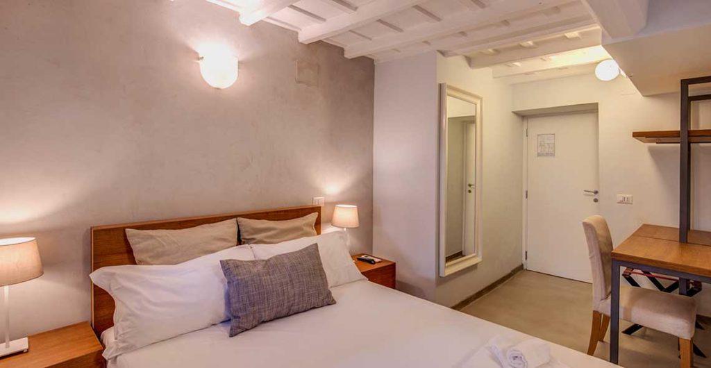 Camera matrimoniale the spanish suite piazza di spagna - Camera matrimoniale romantica ...